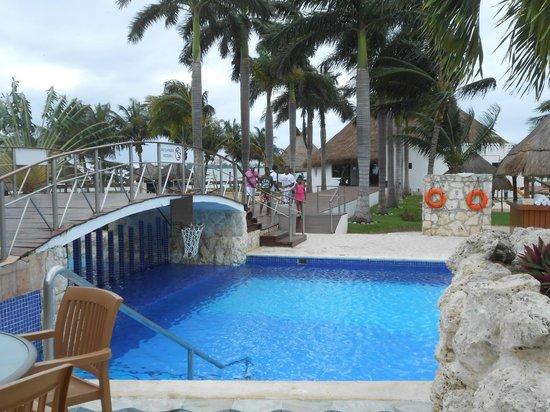 Sunset Marina Resort & Yacht Club: Piscina muito gostosa