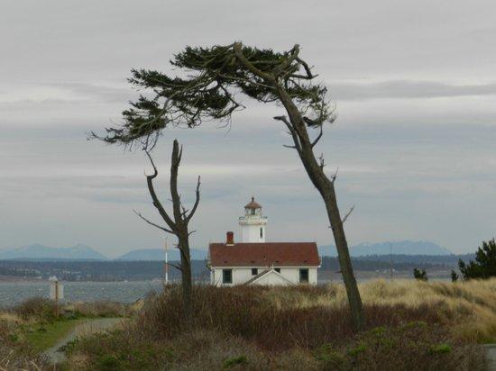 Ravenscroft Inn: Point Wilson lighthouse