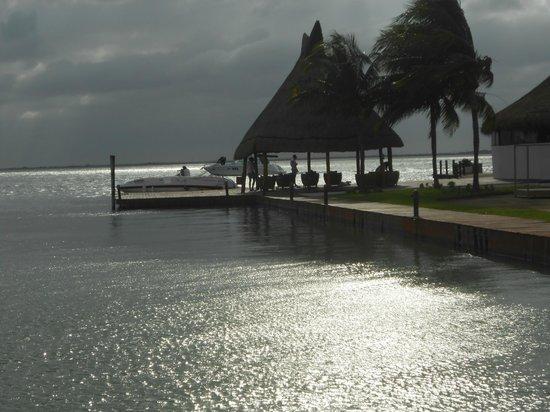 Sunset Marina Resort & Yacht Club: Entardecer à beira da Lagoa Nichupé