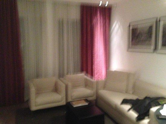 Mamilla Hotel: Sitting area