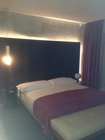 Mamilla Hotel: Bedroom