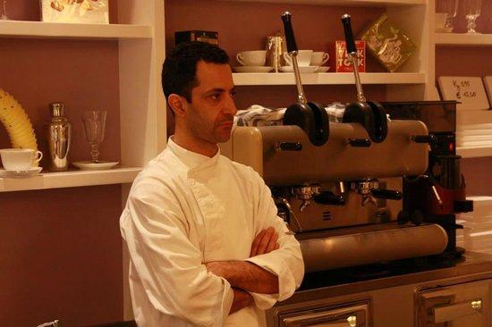 Leonardo Gelateria-Caffe : Giulio, the owner