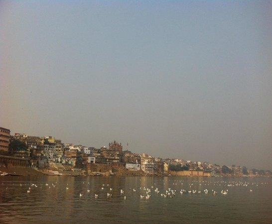 Om REST HOUSE: Ganga river