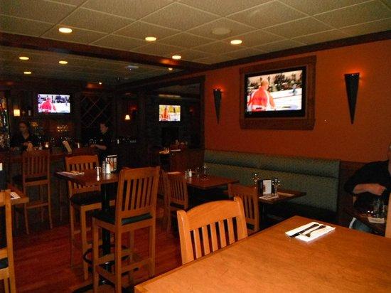 BEST WESTERN PLUS Country Meadows Inn: TV's