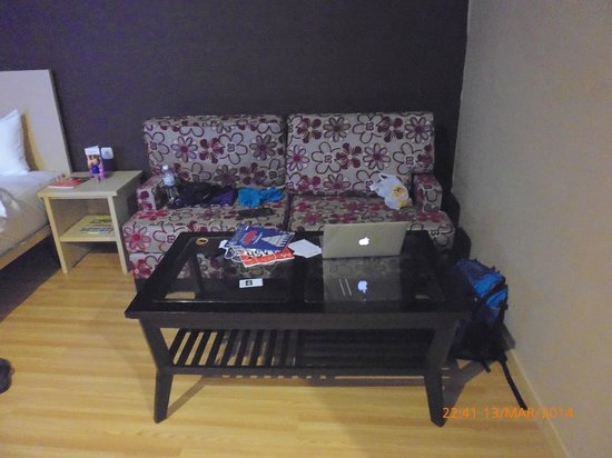 Swiss-Belinn Panakkukang Makassar : the cozy living room