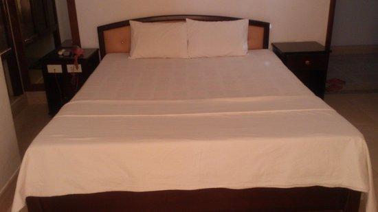 An Binh Hotel : Standard Double Room