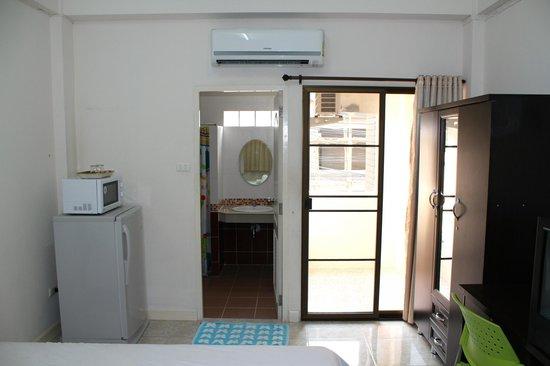 Varada Place: Ensuite and balcony