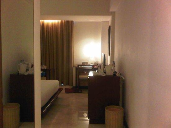 Grand Surya Hotel Kediri: interior kamar