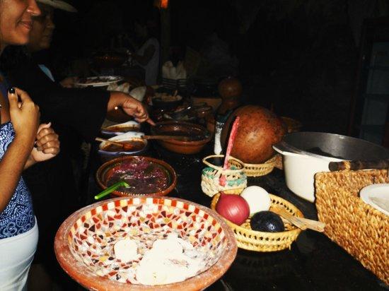 Cenote Chaak Tun: great Mexican buffet