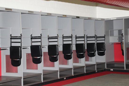 Raymond James Stadium: locker room