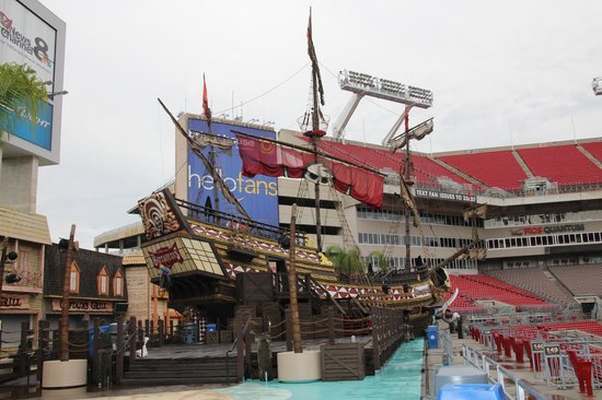 pirate ship picture of raymond james stadium tampa tripadvisor raymond james stadium tampa tripadvisor