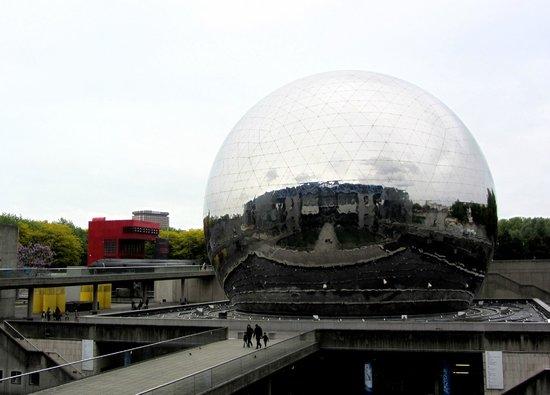 Cité des Sciences et de L'Industrie : Geode, the theatre..