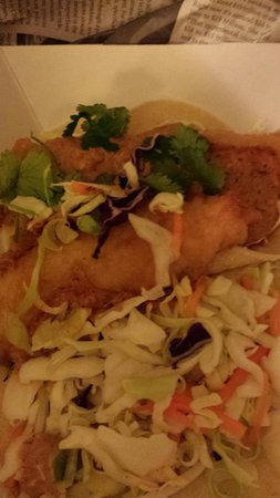 The Codmother Fish & Chips : fish tacos