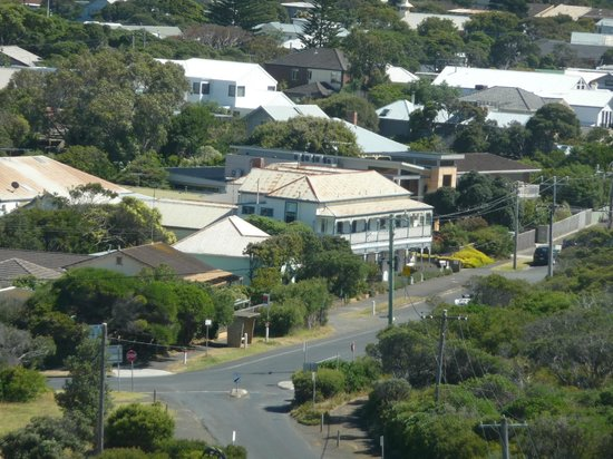 Point Lonsdale Guesthouse Hotel: The Guest House centre of photo