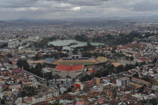 Hotel Tana Plazza: Вид на столицу и озеро Ануси сверху