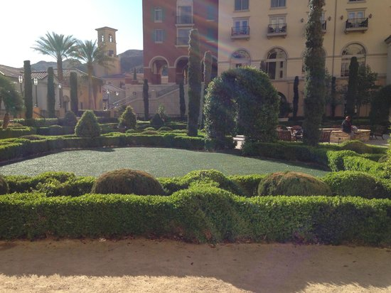 Hilton Lake Las Vegas Resort & Spa: Hotel Grounds