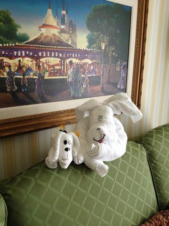 Disney's BoardWalk Inn : Towel animals left by Mousekeeping