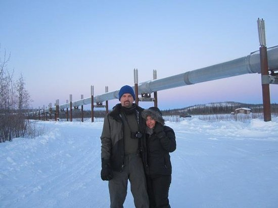 1st Alaska Tours: Alaska Pipeline at the Yukon River