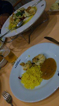 Toca da Garoupa : Filet de lagosta, arroz com açafrão e pirão