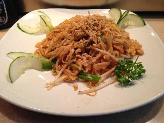 Sanya: Chicken Pad Thai