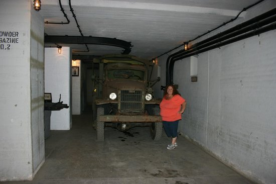 Fort McArthur Military Museum: Really cool vehicles under ground