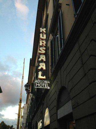 Hotel Kursaal Ausonia: Por la calle
