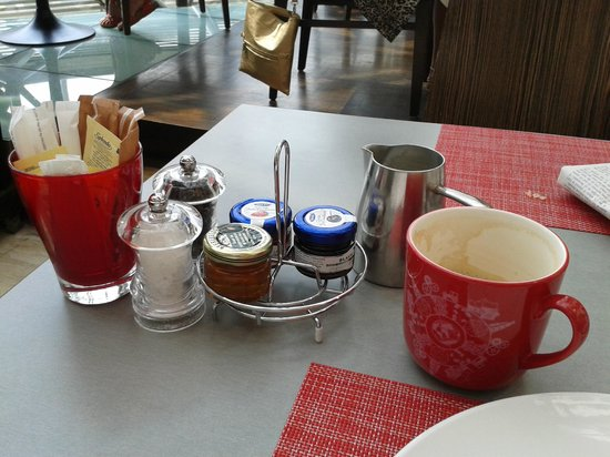 Swissotel The Stamford Singapore: Breakfast