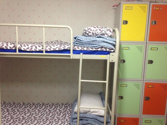 Kim's Hongdae Guesthouse - Mr. Kim's Branch : 8 Bed dormitory