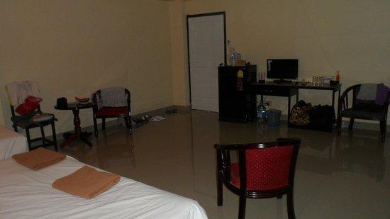 Home Pattaya Hotel: Вид номера