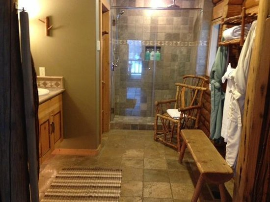 Run of the River: Warm floor, robes, double headed shower, toiletries