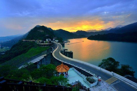 Taoyuan, Taiwan: 石門日出~超浪漫的!