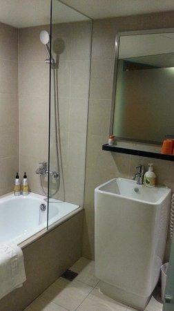 Orange Hotel - Ximen Taipei: Bathroom