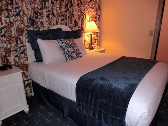 Blue Harbor Resort : #325 Captain Suite