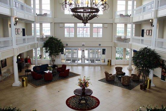 Blue Harbor Resort: Lobby