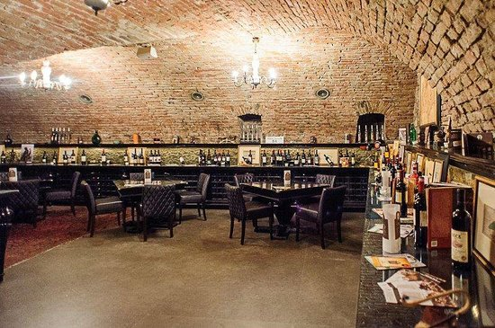 220 Year Old Cellar Restaurant : .