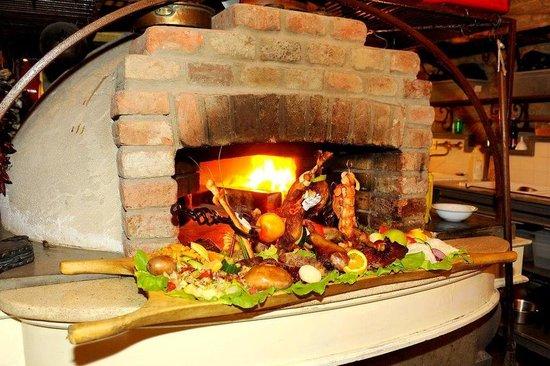 220 Year Old Cellar Restaurant : .