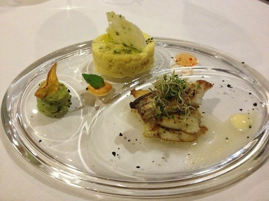 Panorama: sea bass fillet with mashed potatoes