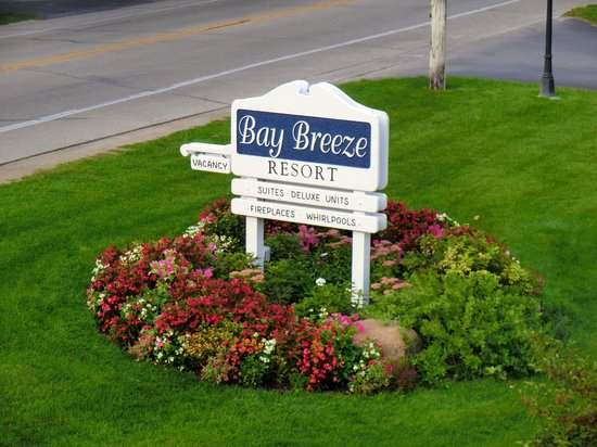 Bay Breeze Resort: Resort
