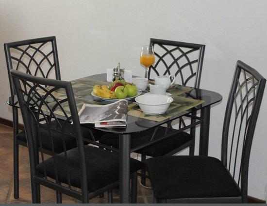 Lincoln Cottages: Nederberg Dinning area