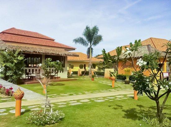 Garden Hills Villa Resort : Entrance