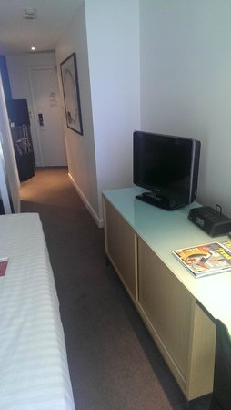 Adina Apartment Hotel Sydney Darling Harbour: Room