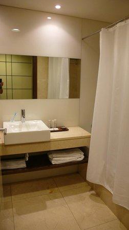 Hotel Olissippo Oriente: Baño