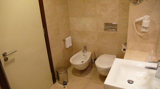 Hotel Olissippo Oriente : Baño