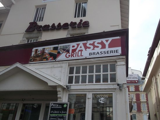 Passy Grill : devanture