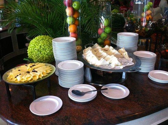 M.S. Garden Hotel Kuantan: Detail of breakfast buffet
