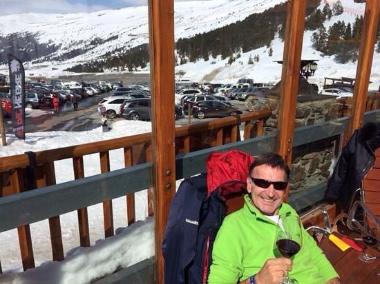 Grau Roig Andorra Boutique Hotel & Spa: relax en la terraza entre un buen vino y la nieve
