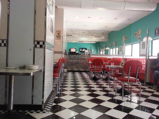 The Waterfront Shaw, Lavasa : The all Americn Diner- best place to eat