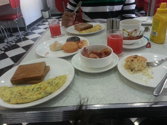 The Waterfront Shaw, Lavasa : The mouth watering breakfat