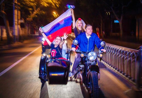 Insiders-Shanghai Private One-day Tour : Russians know how to throw a stag party!