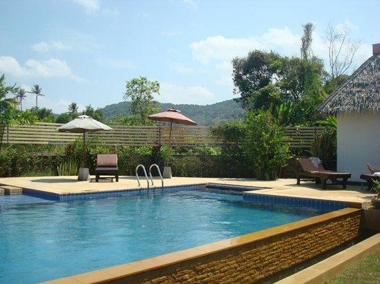 Noppharat Resort: Nice pool